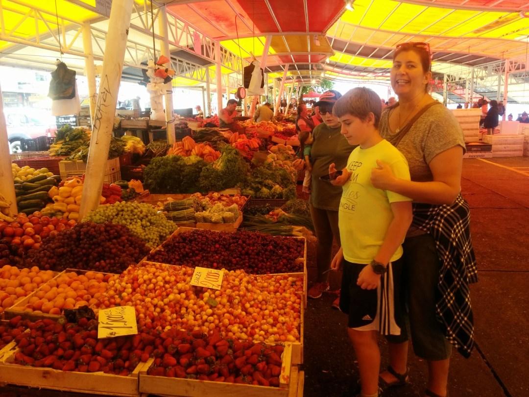 Valdivia fish market has produce