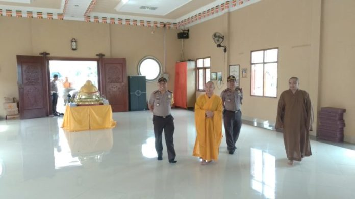 Kapolres Tulang Bawang Silaturahmi Ke Vihara Jelang Perayaan Tahun Baru Imlek 2570