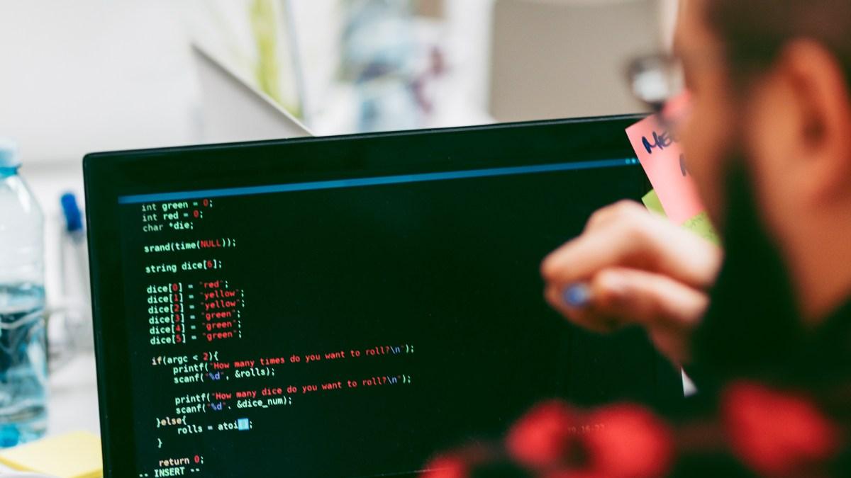 Sarjana Komputer Tidak Bisa Coding? Apa Kata Dunia?
