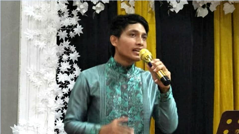 Fatria Nata-Penyanyi Religi