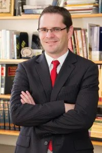 New analysis unveiled today by University of Utah S.J. Quinney College of Law professor Christopher L. Peterson outlines why there is a legally sufficient case to impeach Donald Trump under the U.S. Constitution on charges related to fraud and racketeering for prior conduct if he is elected president.