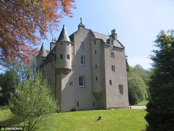 Lickleyhead-Castle