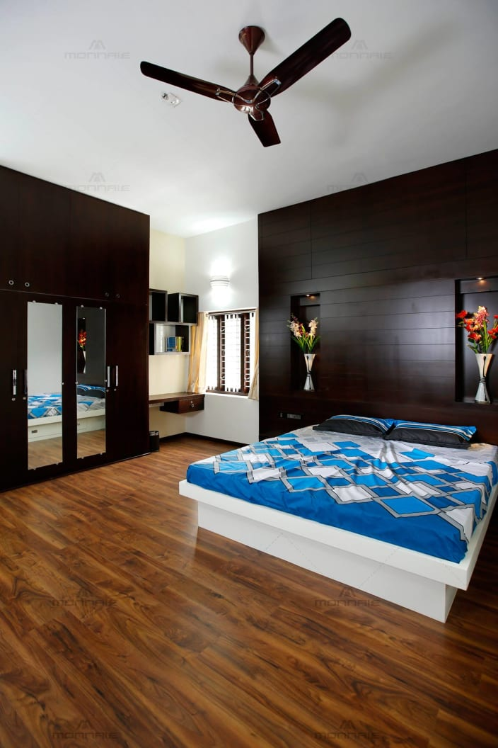 Commodious Master Bedroom with Wood Flooring and King Size ... on Cheap:l2Opoiauzas= Bedroom Ideas  id=37820