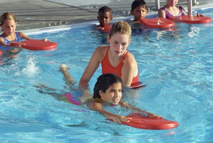 How to choose the right swimming lessons for your child?