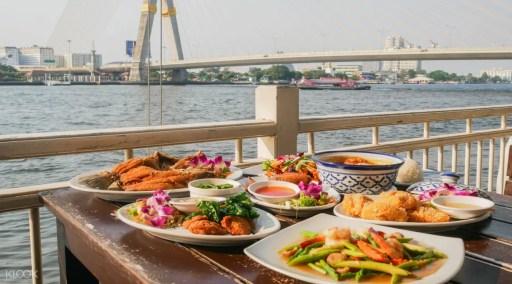 大橋河畔餐廳