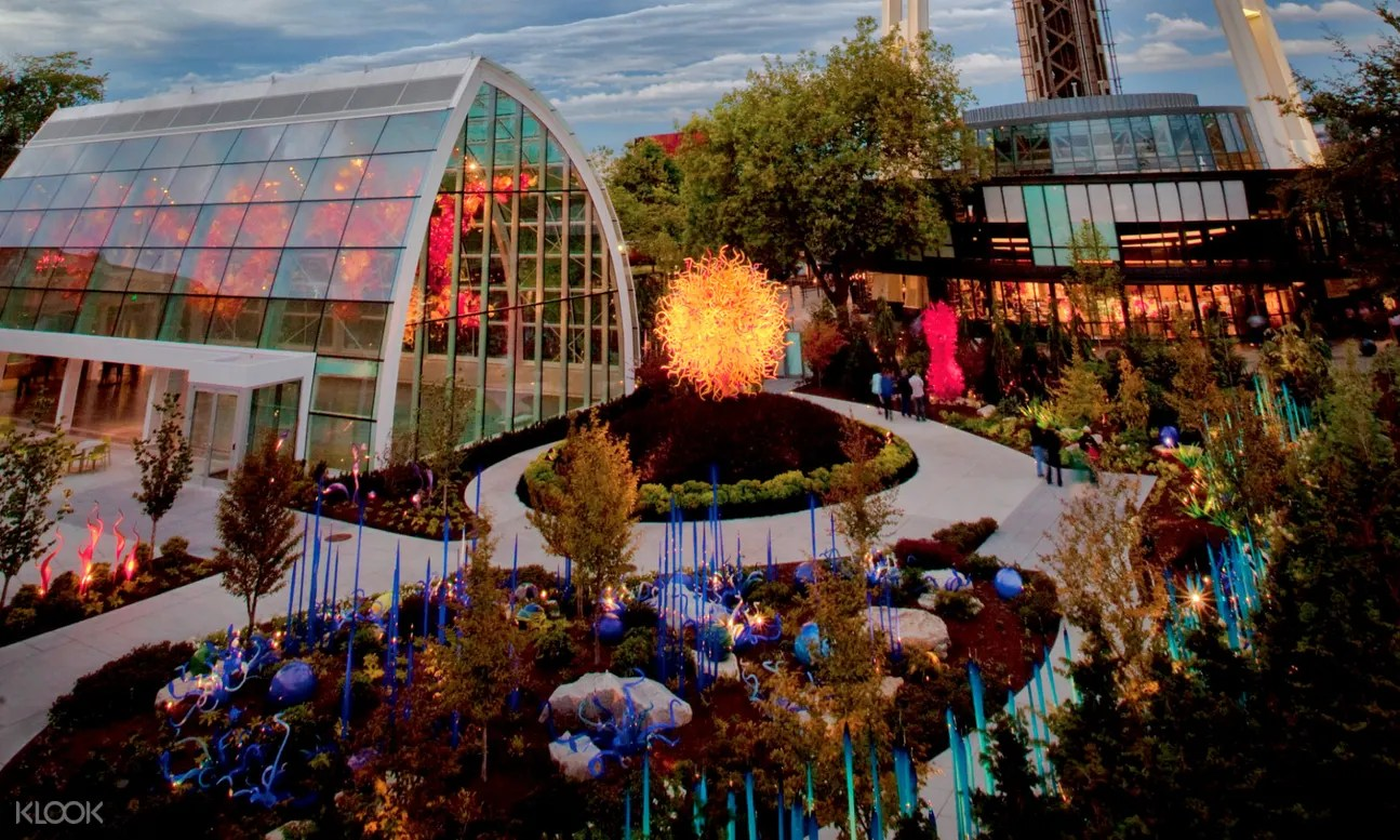 Chihuly garden and glass museum has the most gorgeous and memorizing glass artworks that i have ever encountered! Space Needle Flexible Date Admission Ticket With Chihuly Garden And Glass Admission Ticket In Seattle
