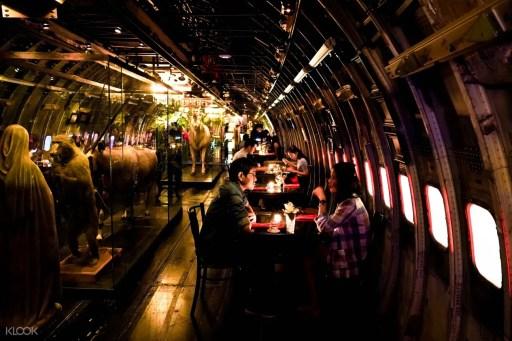 飛機夜市Na-Oh Bangkok的內觀