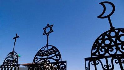 ديانة جديدة تفرض على الشعودب العربية بالقريب العاجل ومسؤول مخابراتي عربي يكشف التفاصيل