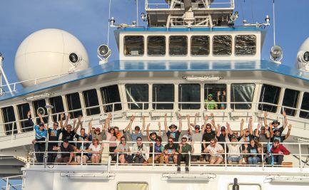 Voyage participants farewell the last day on the RV Investigator.