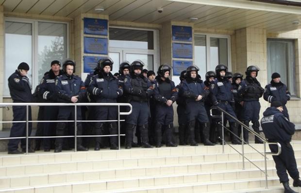 Les policiers de Kramatovsk ralliés au mouvement de contestation