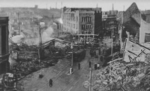 Centre de Coventry, R-U après un raid aérien allemand, novembre 1940
