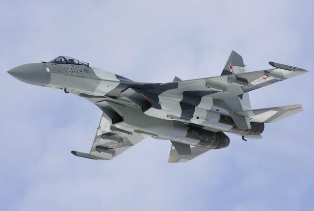 Sukhoi_Su-35S_in_2009