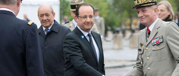 Hollande et le Général Puga