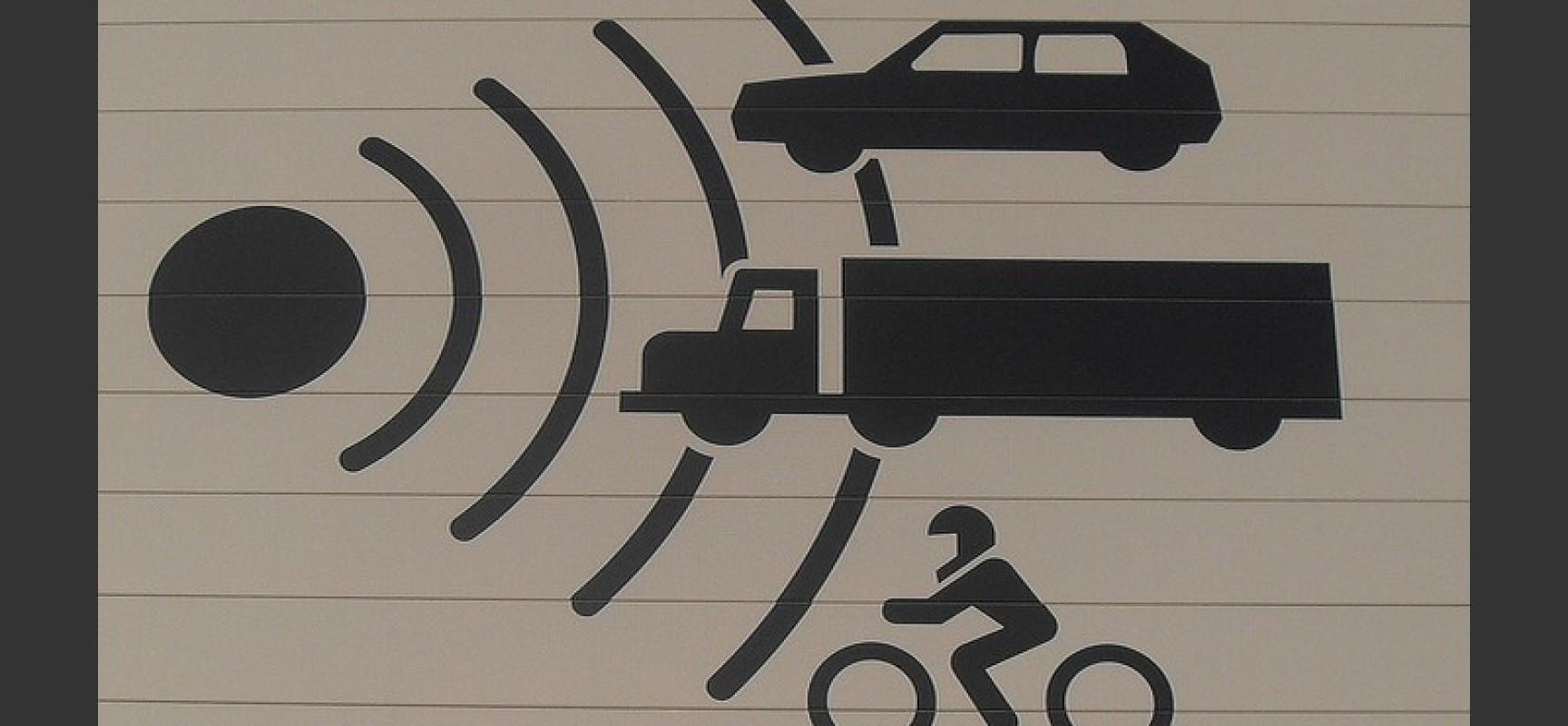 La lutte contre les terroristes routiers continue : Coyote, Waze, TomTom bientôt interdits ?