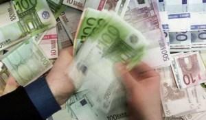 Pourquoi devrions nous travailler alors qu'on peut créer de l'argent à partir de rien ?
