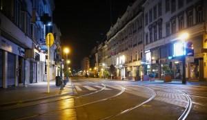 En Belgique, couvre-feu de minuit à 05h00 du matin, télétravail généralisé et tous les cafés et restaurants du pays devront fermer lundi pour au moins un mois