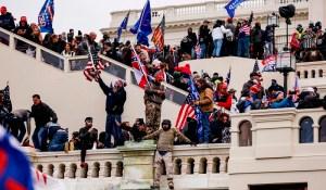 La mascarade du Capitole et la fiction démocratique