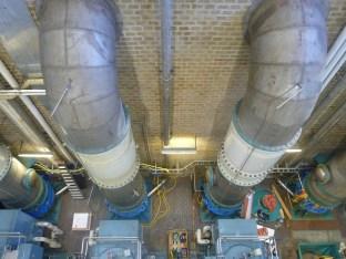 Gros tuyaux d'eau