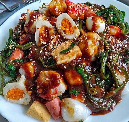 Resepi Kuah Hitam dan Merah Yong Tau Foo