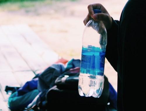 Cara Membedakan Air Putih dan Air Mineral