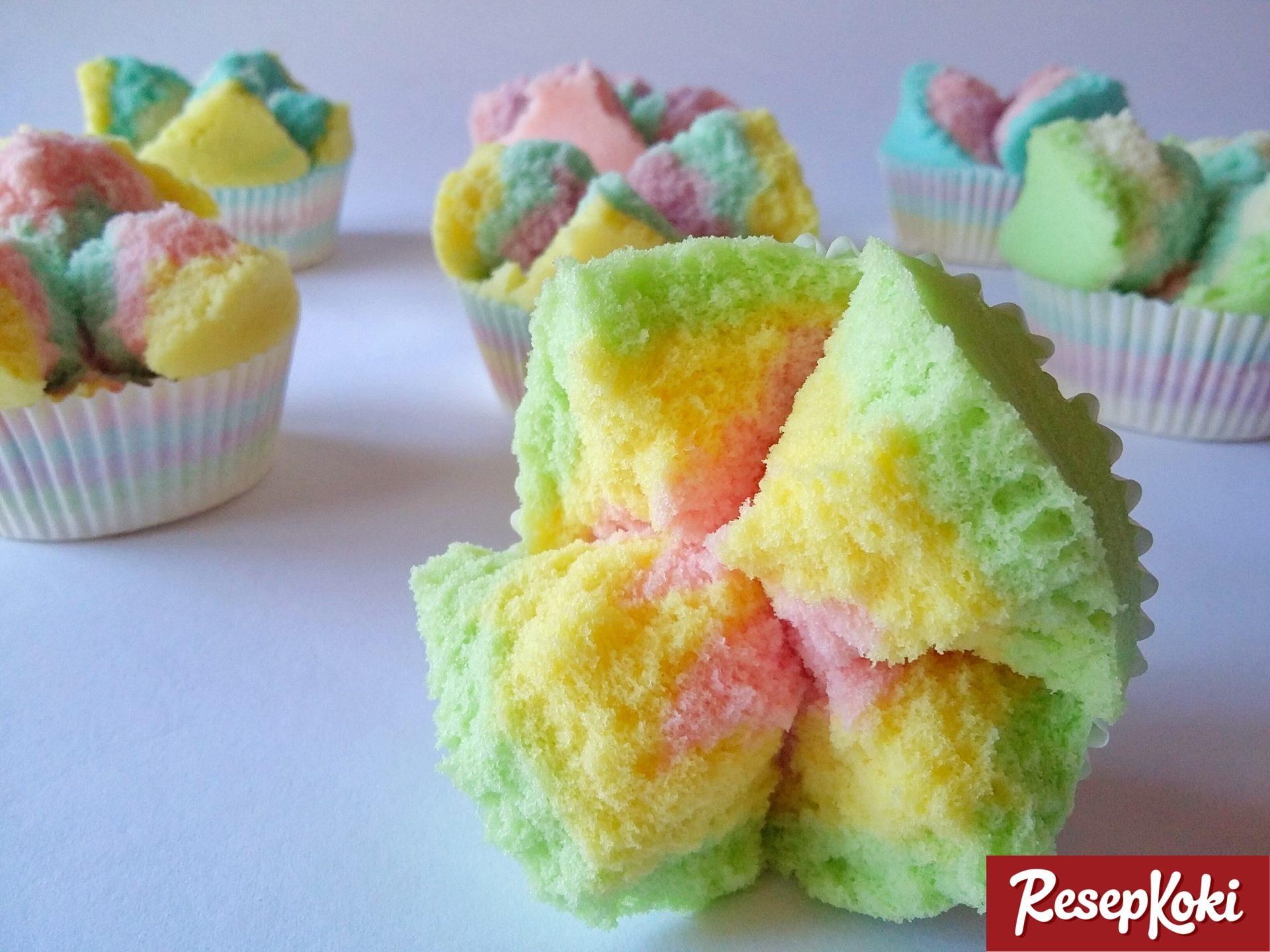 Resep Cake Kukus Praktis: Bolu Kukus Pelangi Mekar & Praktis - Resep