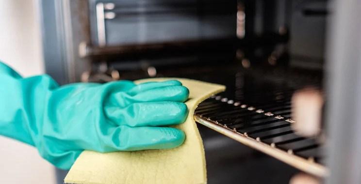 6 Tips Membersihkan dan Merawat Oven