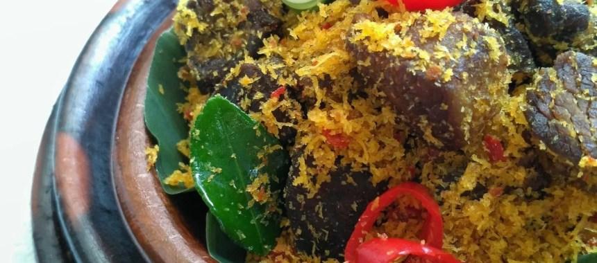 4 Tips Sukses Membuat Serundeng Daging yang Kering dan Enak