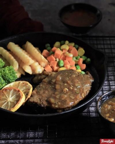 Gambar Hasil Membuat Resep Beef Steak Tenderloin Blackpepper Sauce