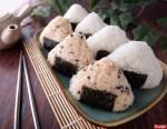 4 Tips Membuat Onigiri atau Nasi Kepal ala Jepang yang Rapi & Nasi Menempel Sempurna