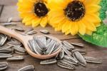 7 Jenis Biji-Bijian Untuk Membuat Kue & Roti Lebih Bergizi dan Menarik