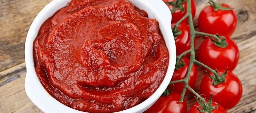 Kenali Perbedaan Pasta Tomat vs Saus Tomat