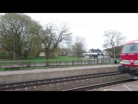 Snälltåget passerar Sävsjö station 20180430