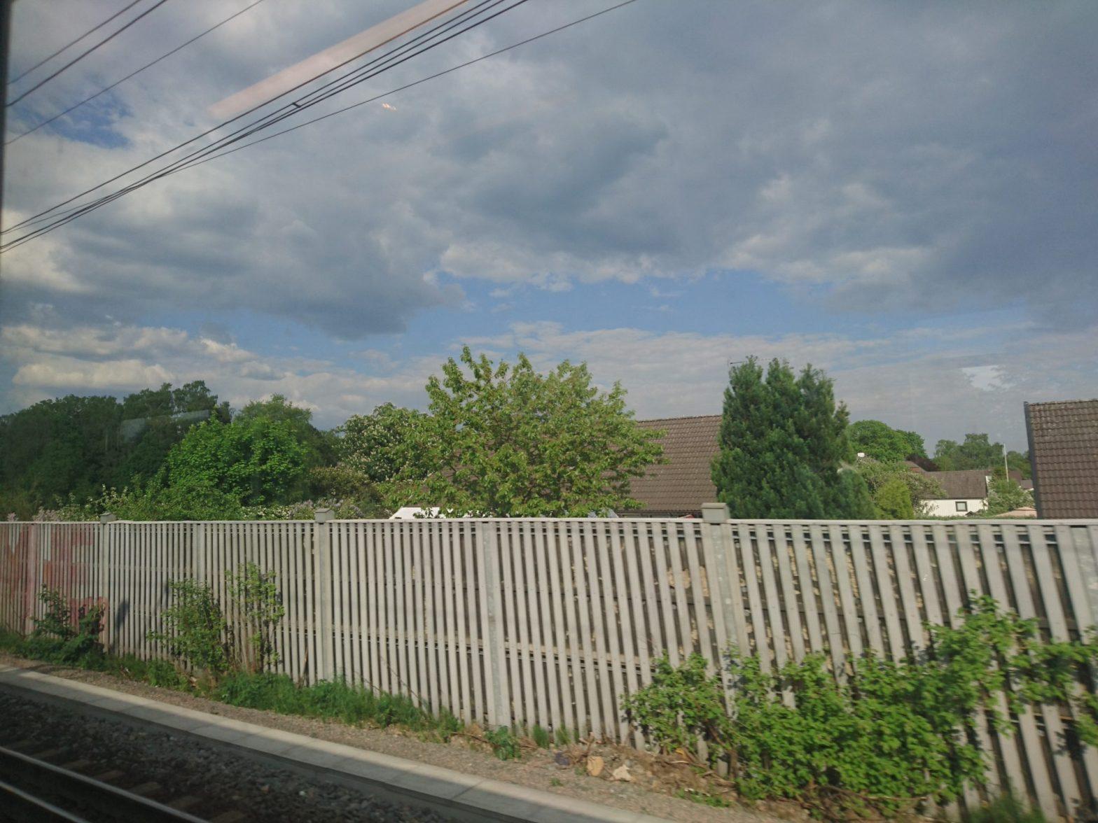 Utsikt från tåget mot Hässleholms södra förstäder