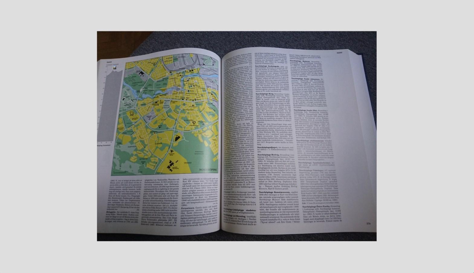 Ett uppslag i en encyklopedi.