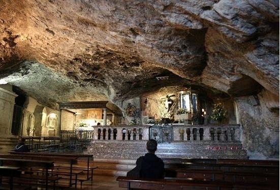 Grotta di San Michele a Monte Sant'Angelo