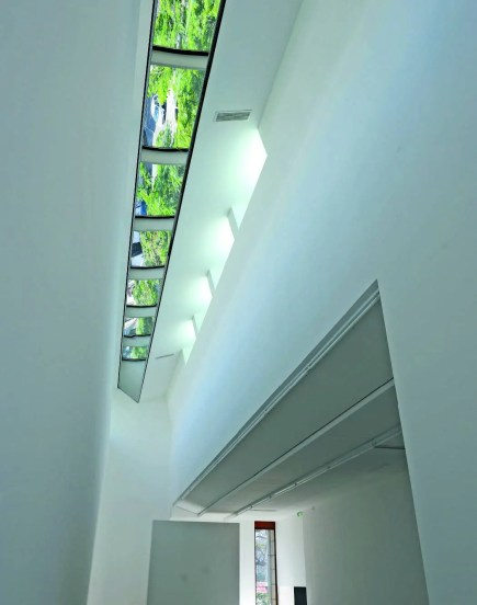 Les sept mètres sous plafond de l'extension du 116, Centre d'art contemporain de Montreuil inauguré en octobre 2013, permettent d'accueillir tout type de support, du petit au grand format. www.116-montreuil.fr
