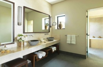 AAJA_Cliff_Pool_Villa_Bathroom_01_L_A_H