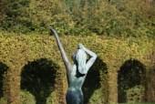 Cloitre des quatre saisons Sculpture Ete par JM de Pas