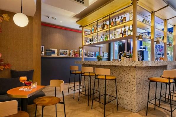 OH-LA-LA-!-Hotel-Bar---Lobby---Bar-(4)