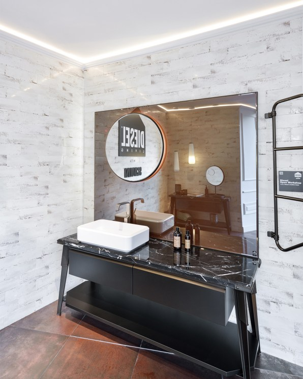 19-SCAVOLINI-STORE-salle-de-bains-DIESEL-©Lola-Moser
