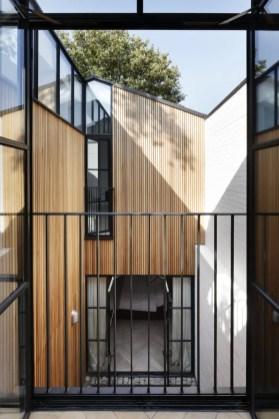 De-Rosee-Sa-Courtyard-House-11