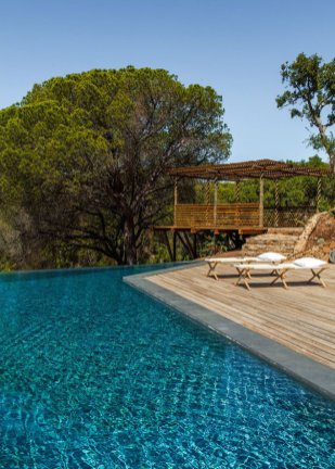 villa-contemporaine-aires-mateus-architecte-comporta-portugal-hv1_crop