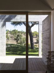 villa-contemporaine-aires-mateus-architecte-comporta-portugal-v2_crop