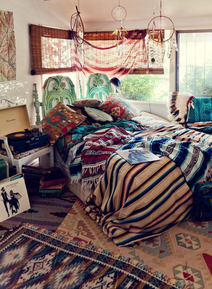 31 Bohemian Style Bedroom Interior Design on Room Decor Indie id=92704