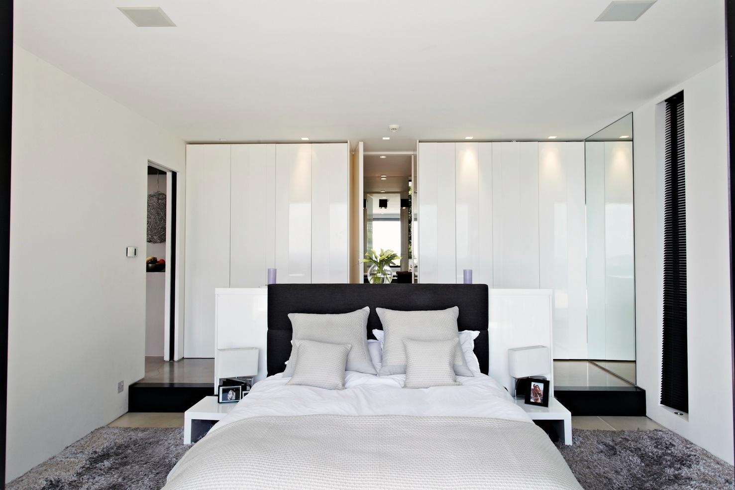 41 White Bedroom Interior Design Ideas & Pictures