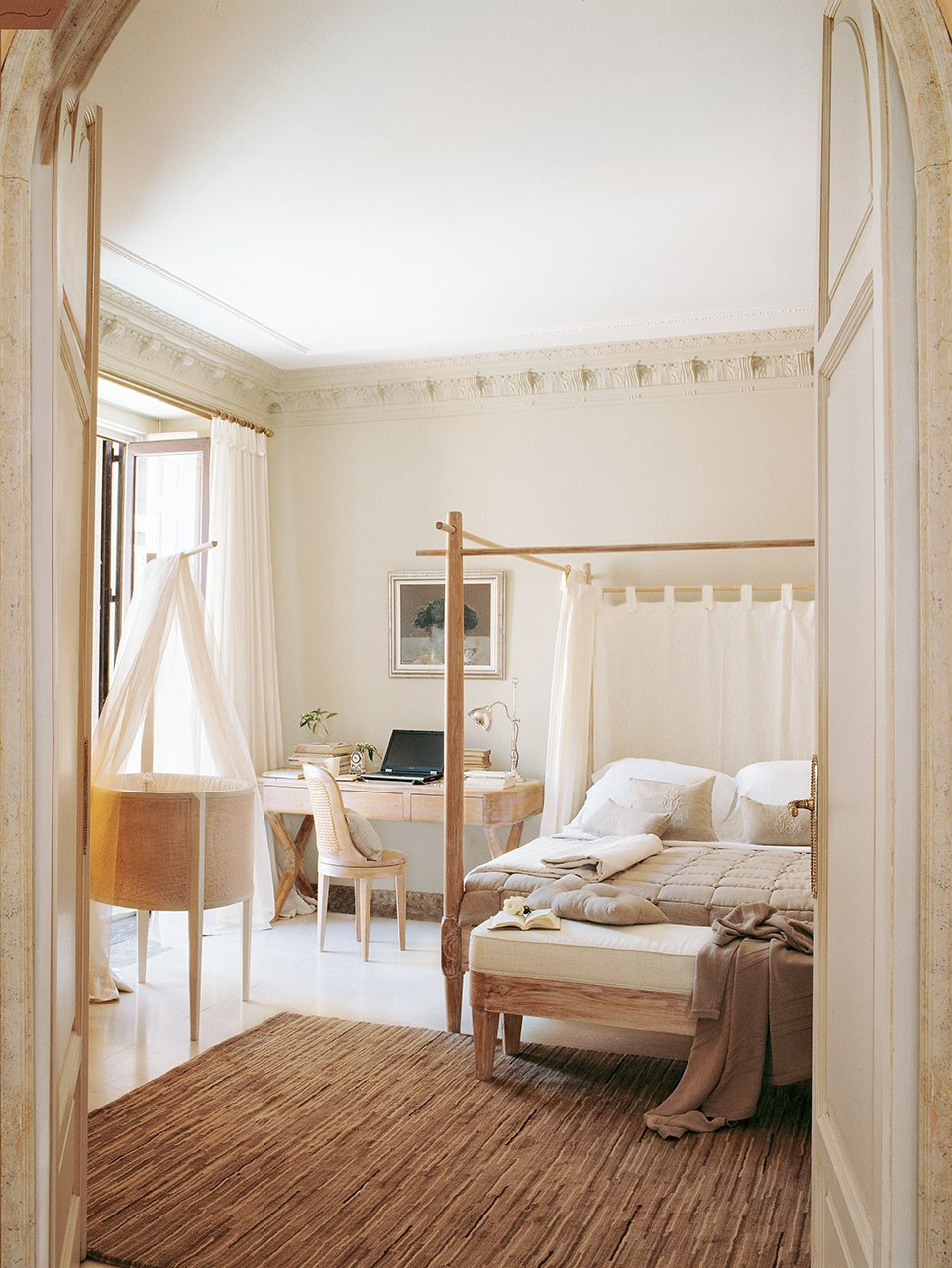 21 Charming & Comfortable Bedroom Interior Design on Comfortable Bedroom Ideas  id=52031