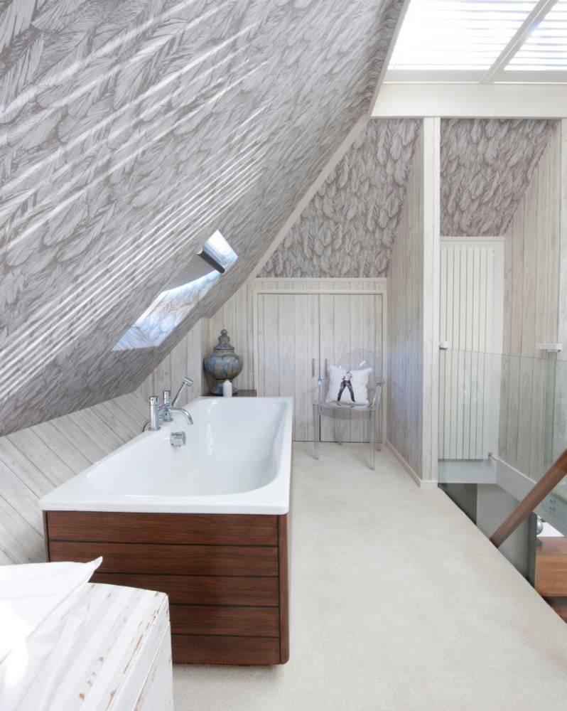21 Beautiful Bathroom Attic Design Ideas & Pictures on Space Bathroom  id=81850