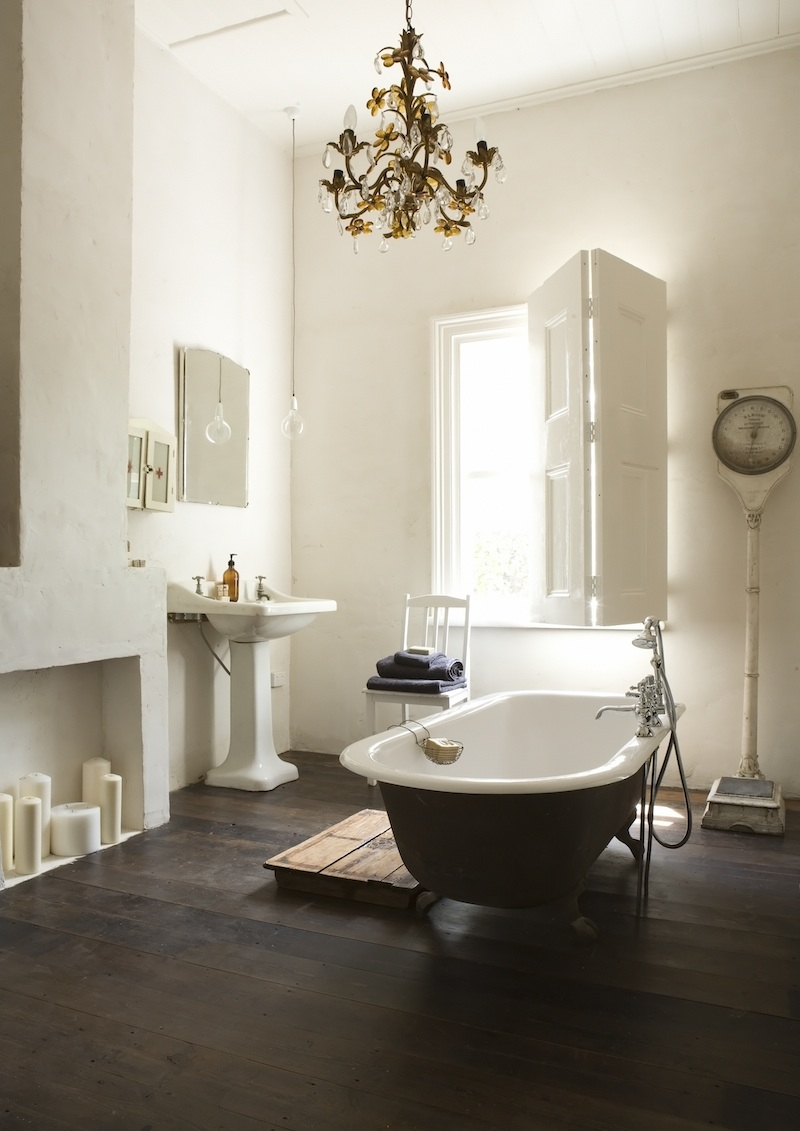 21 Ideas To Decorate Lamps Amp Chandelier In Bathroom
