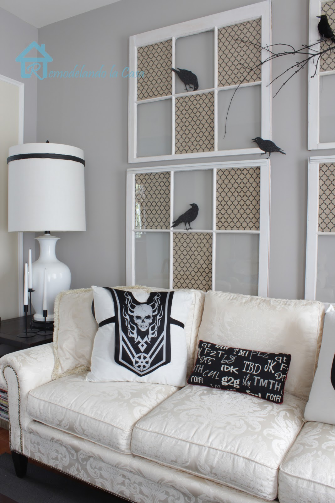 21 Stylish Living Room Halloween Decorations Ideas on Decor For Room  id=57518