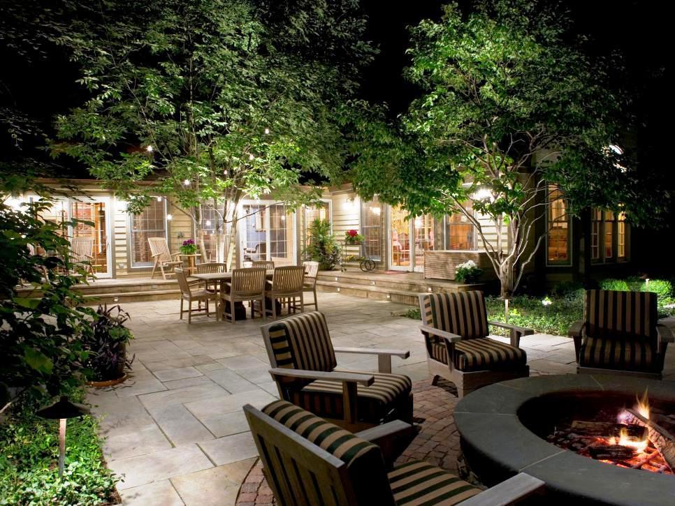 Outdoor Lighting Ideas To Highlight Beautiful Exteriors on Backyard Exterior Design id=79780